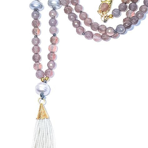 WILLOUGHBY Necklace in Gray Agate with 5-Pearls