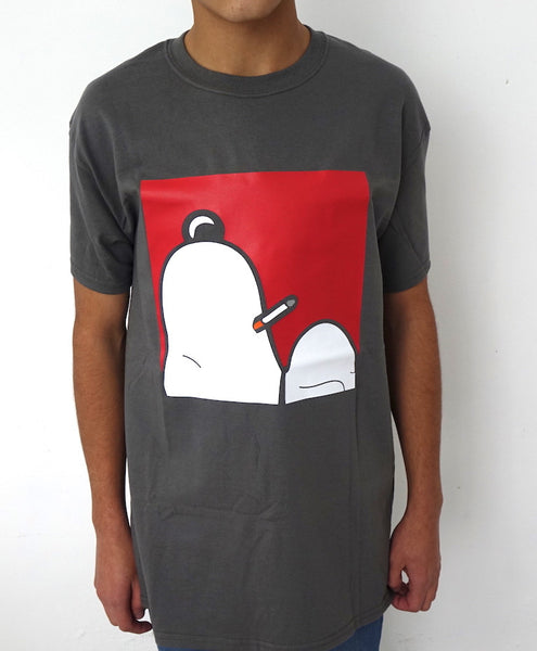 Playera Parodia Snoopy Smoking Fumando Descansando Gris iconoclast by VOGUETI