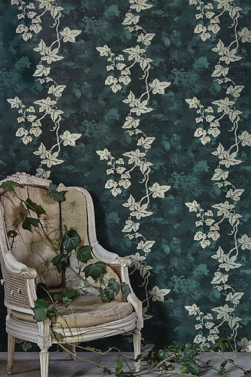 Ivy - Deep Green Wallcovering
