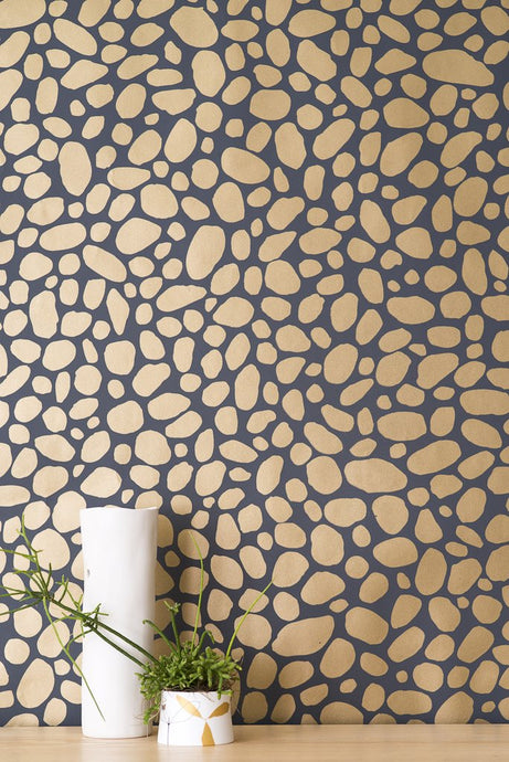 Hoya Gold on Charcoal Wallcovering
