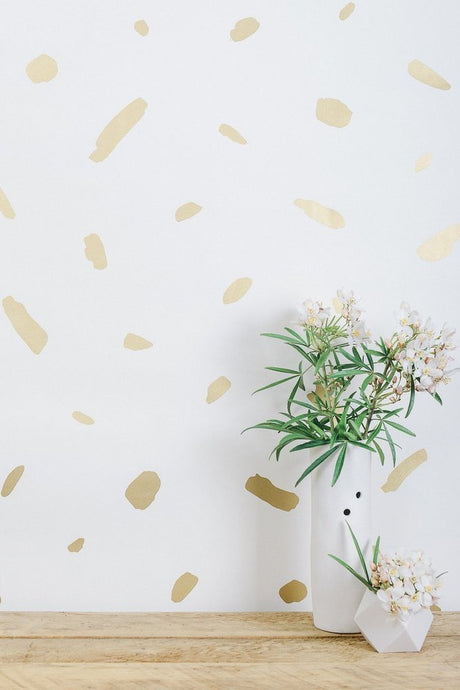 Pas De Trois Gold on Cream Wallcovering