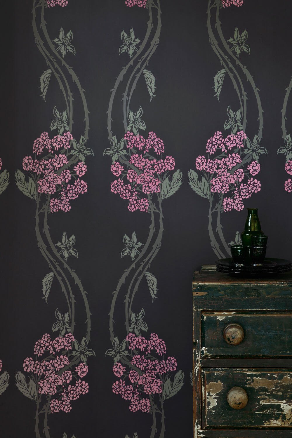 Autumn Berry - Blackberry Wallcovering