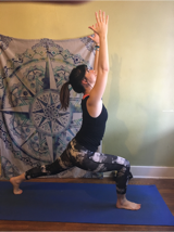how to do crescent lunge yoga pose