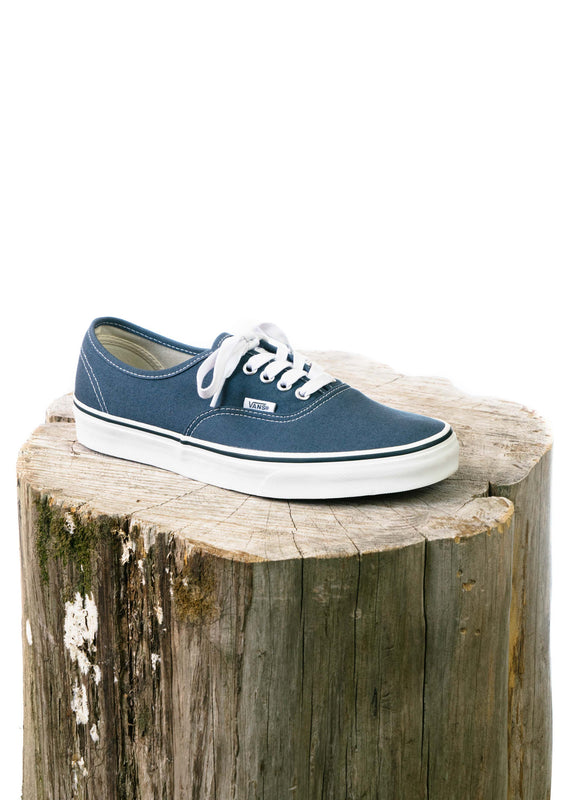 Authentic (Dark Slate/True White)
