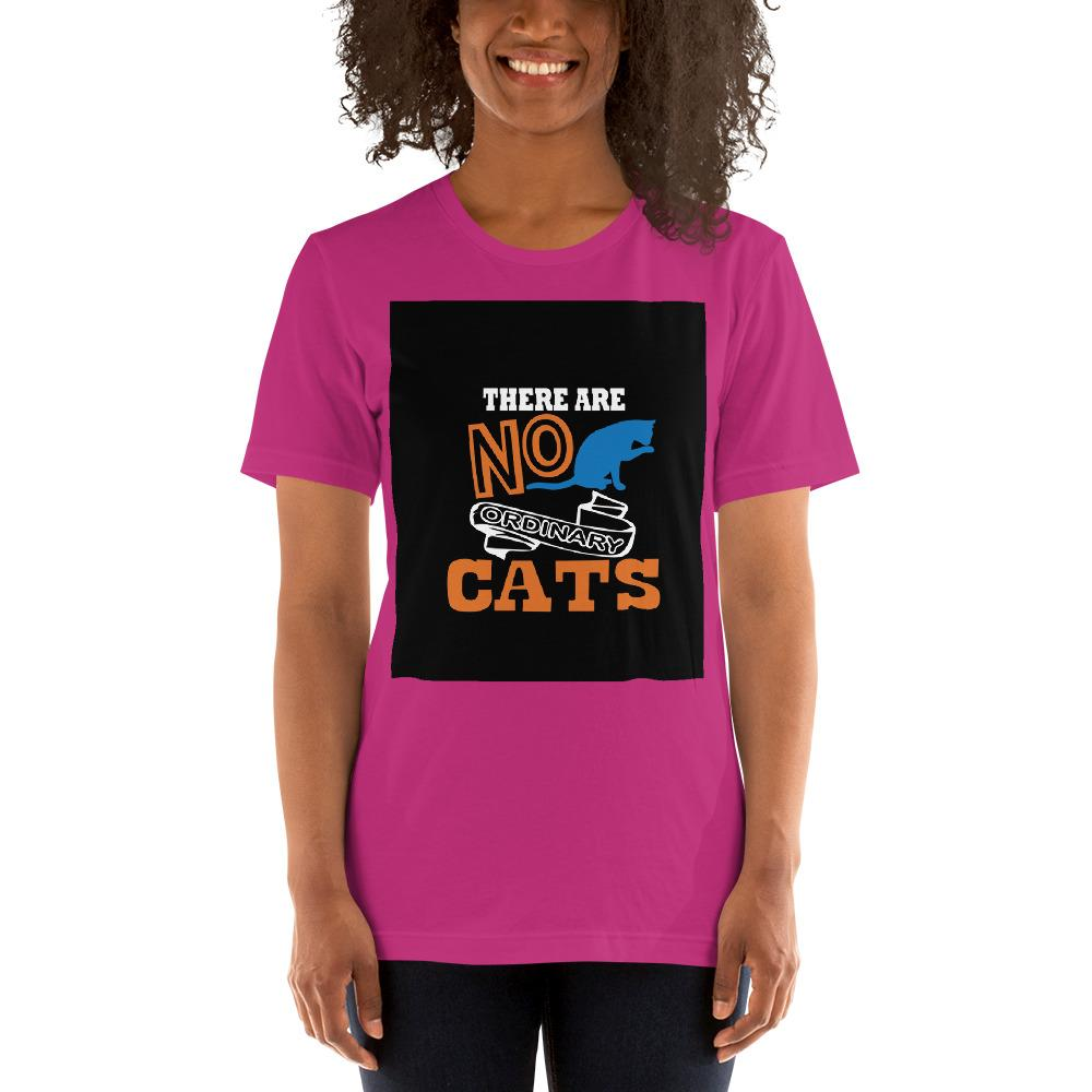 There are no ordinary cats Women's T-Shirts Chiro's Berry S