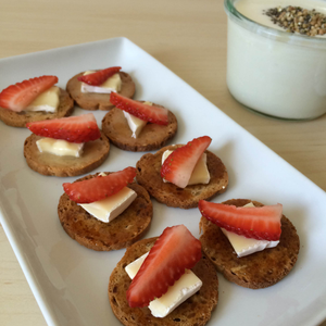 Strawberry Brie Cheese Canapé (Honey Snack)