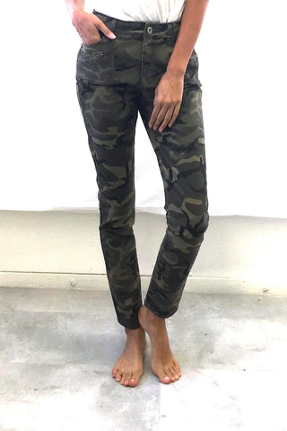 High Waisted Jeans (Camo Print / Black)