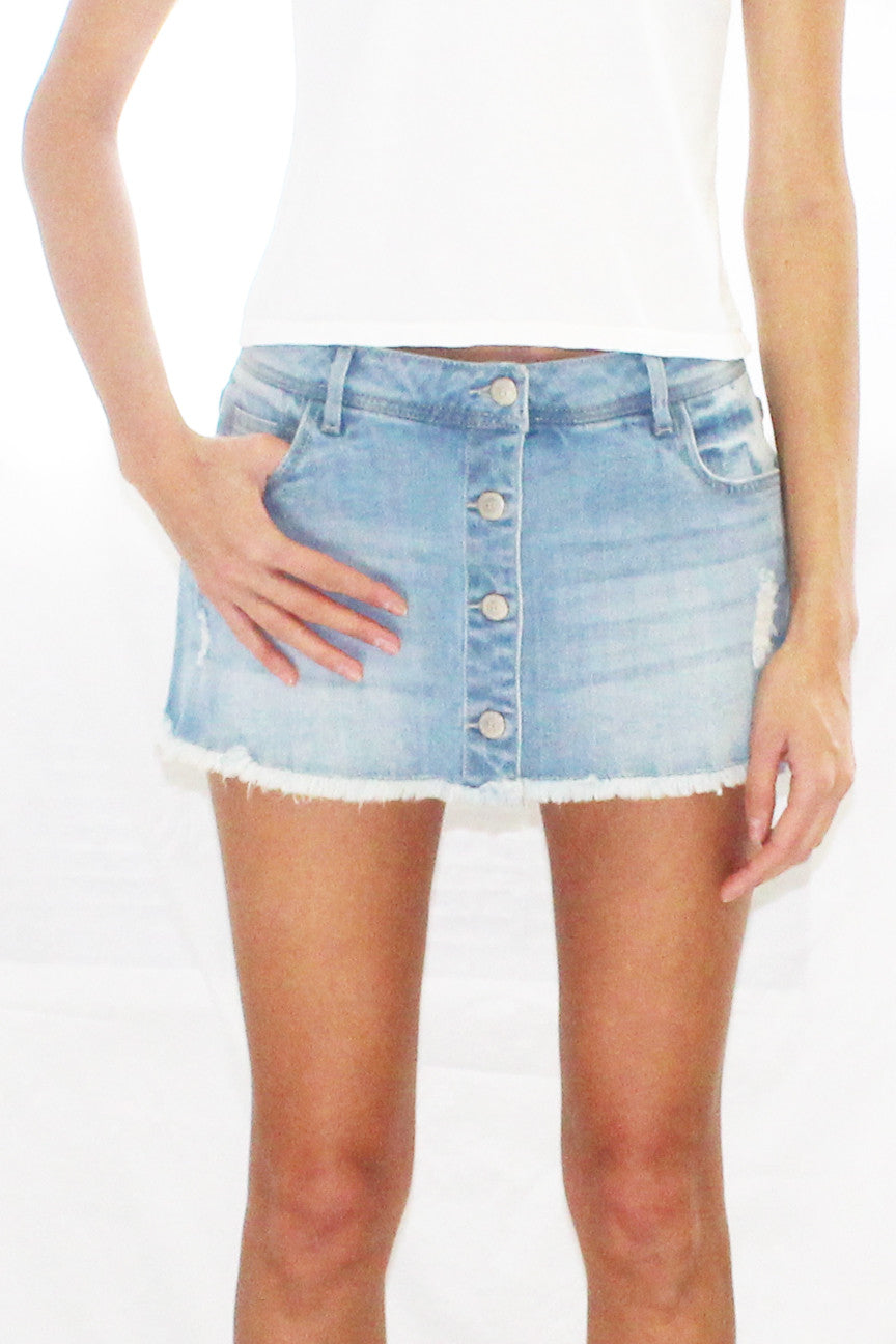Button Front Frayed Hem Scooter Denim Mini Skirt (Light Wash / Medium Wash)