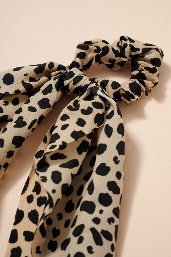 Cream Leopard Scrunchie Scarf