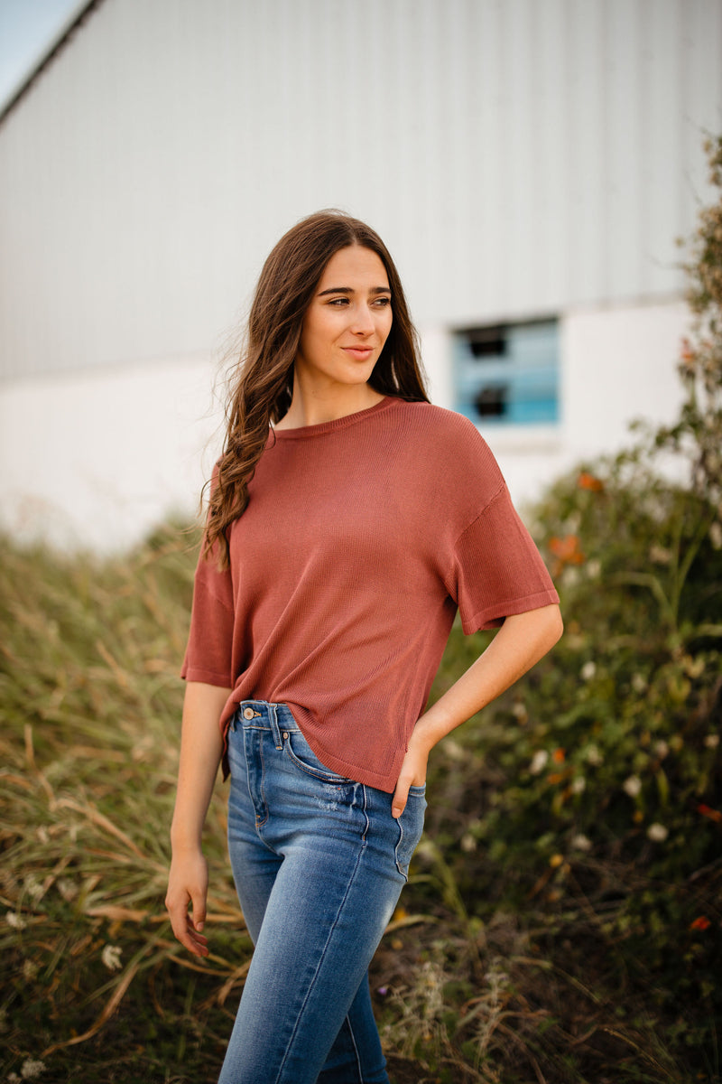 brick short sleeve knit top