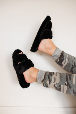 Fuzzy Slippers - Black