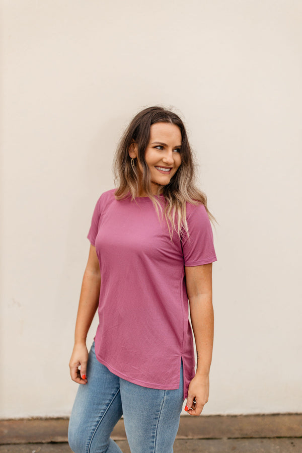Womens mulberry round neck short sleeve tee.