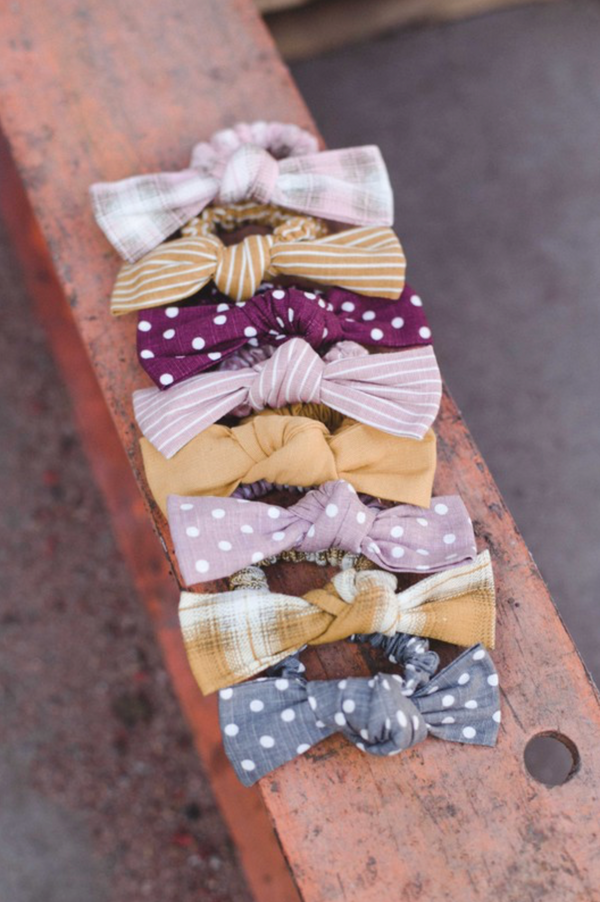 Linen Bow Scrunchie - Gray Dot