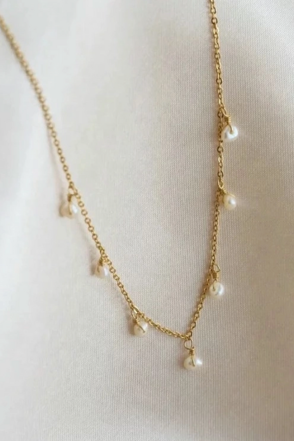 Pearly Drop Necklace