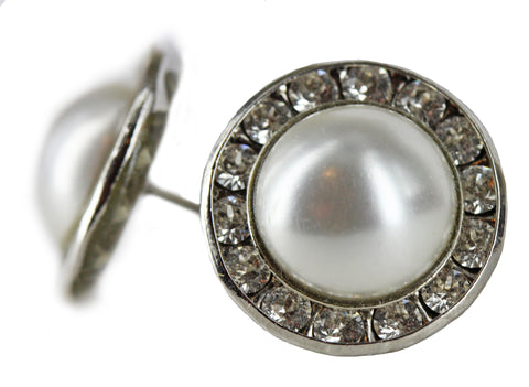 Signature Stud in Pearl