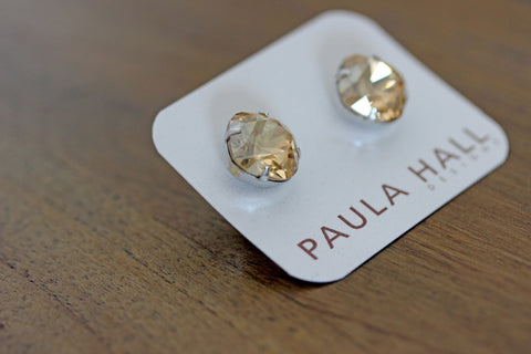 Solitaire Studs in Golden
