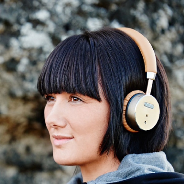 WOOFit Bluetooth headphones