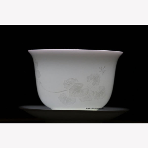 Treasure Yingqing White Porcelain Gaiwan Artisanal Relief Lotus 150ml - MeiMei Fine Teas