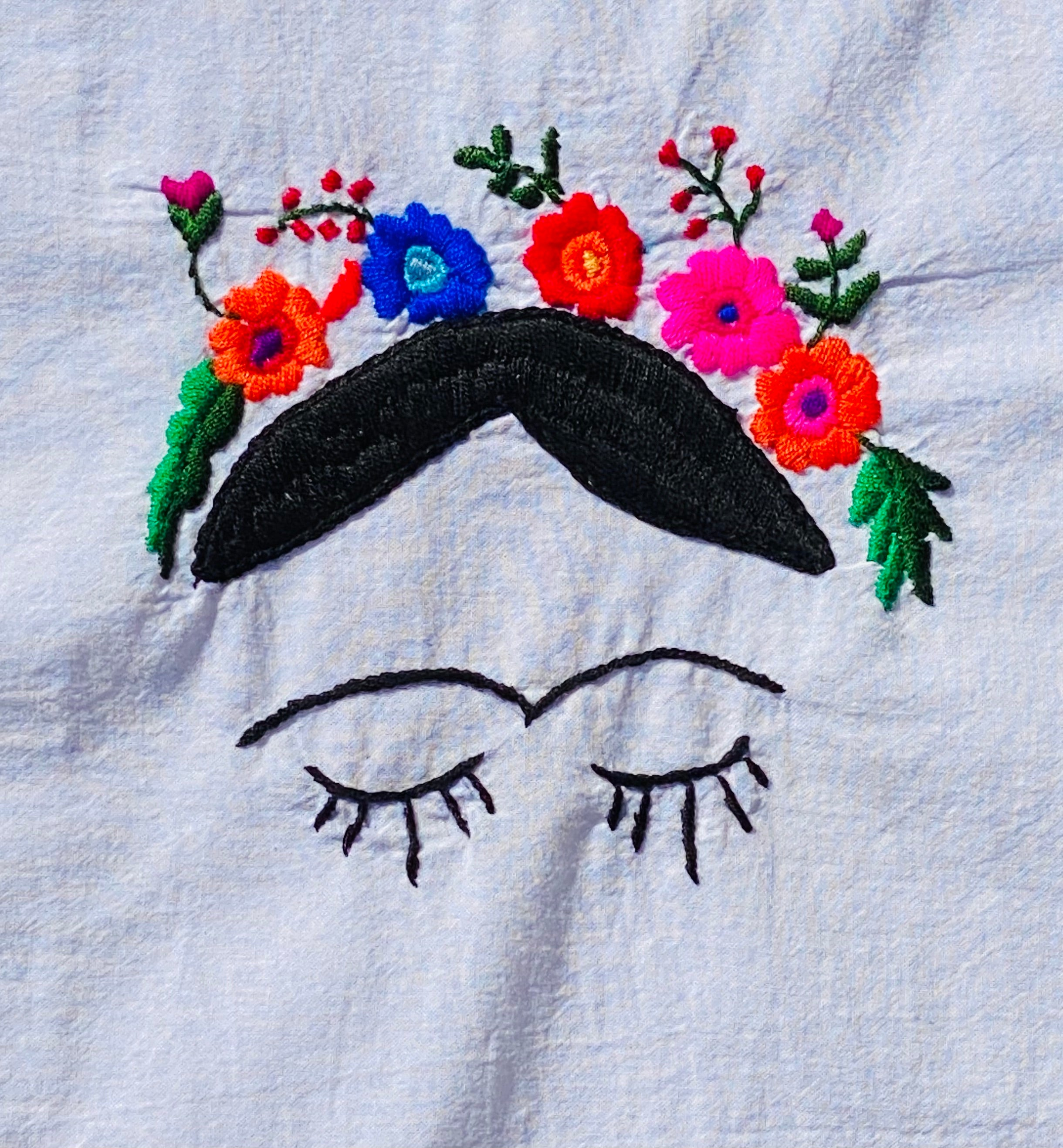 The BoBo Embroidered Frida Peek-A-Boo Crown Long White- Medium