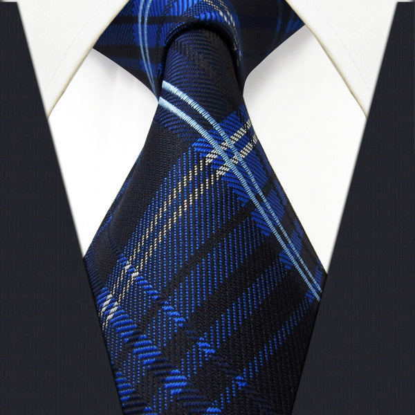 M22 Classic Checked Scotland PLAID NECKTIE Navy Blue Black White  100% Silk Jacq