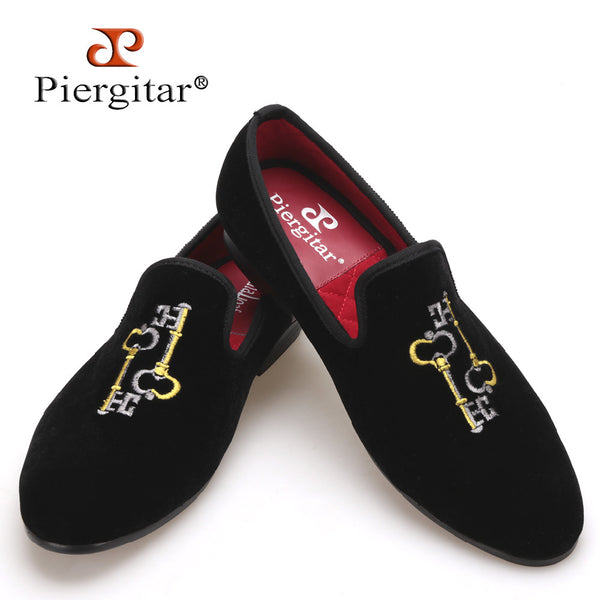 Piergitar 2017 Key embroidery Men Velvet Slipper Men Plus Size Banquet and Prpm Loafers Men Flats Size US 4-17 Free shipping