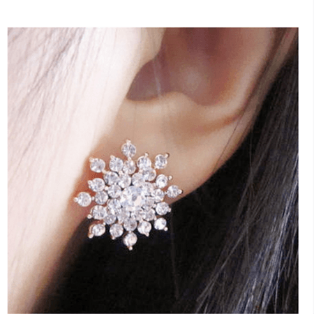 Cora Snow Flake Crystal Stud Earrings - Pearl + Creek