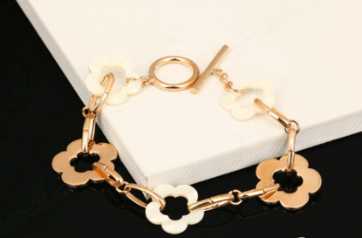 Diana Soft Rose Gold Flower Bracelet - Pearl + Creek
