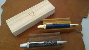 "Staff's Choice - Vermilion ""Crocodile"" Ballpoint Pen ""Japan blue"""