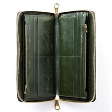Load image into Gallery viewer, [Cimabue]<br>English Bridle Leather Passport Case