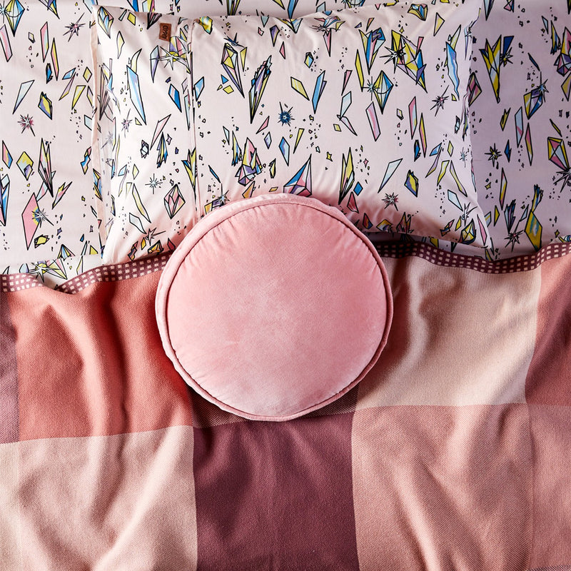 KIP & CO Velvet Pea Cushion Strawberry Pink