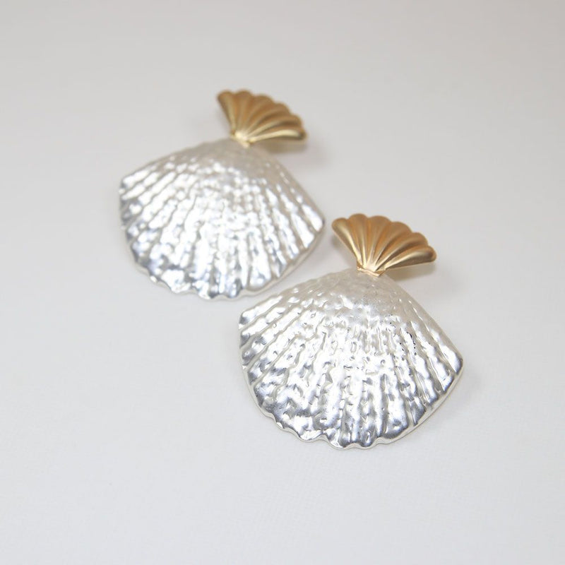 Sun20 Two Tone Shell Earring