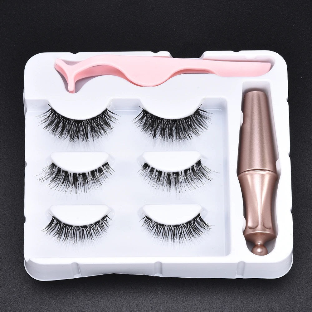 Magnetic Eyeliner and Lashes with free applicator Set