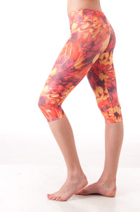 Fallen Feathers Capri Leggings - KDW Apparel