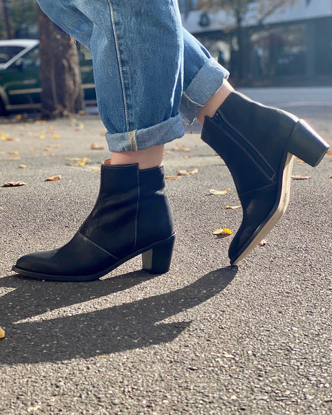 The Sandra Boot in Black