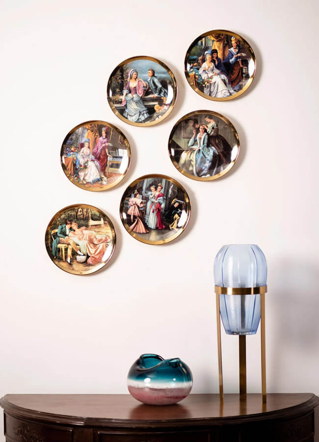 Wall Plates & Accents