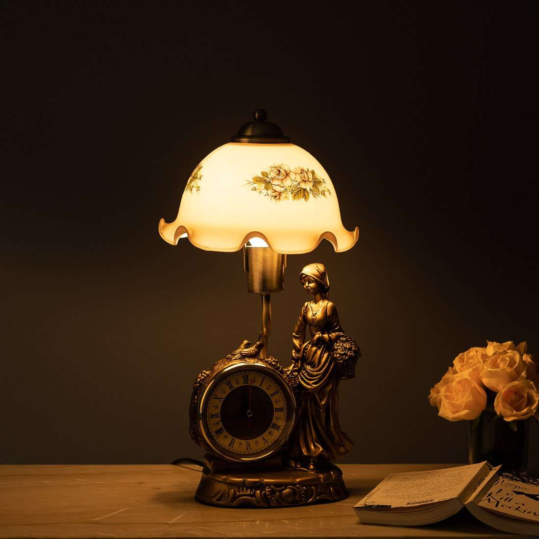 'Olivia' Fenton Lamp w/ Clock & Scalloped Glass Shade