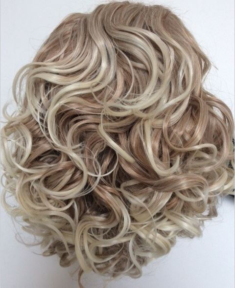 Chloe_short_length_wavy_Irish_Dancing_Wig_idanceirish_jpeg