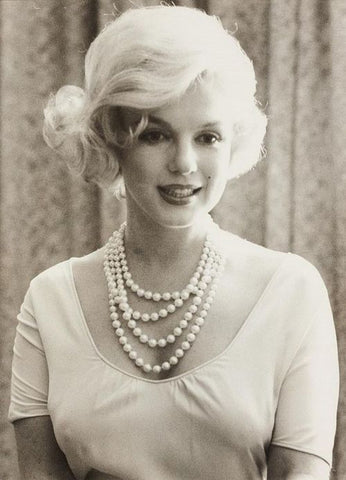 Marilyn Monroe Wearing Pearl Necklace