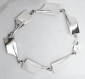 Medium Rowing Blades Link Bracelet Made by Rubini Jewelers