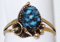 Yellow Gold Decorative Ring with Turquoise