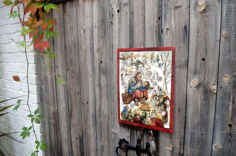 Rima Staines' Storyteller advent calendar from Hedgespoken, on a door
