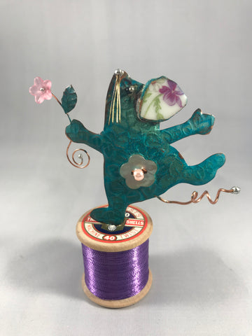 Dancing Mouse on Bobbin