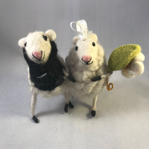 Wedding Couple Sheep