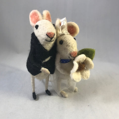 Wedding Couple Mouse