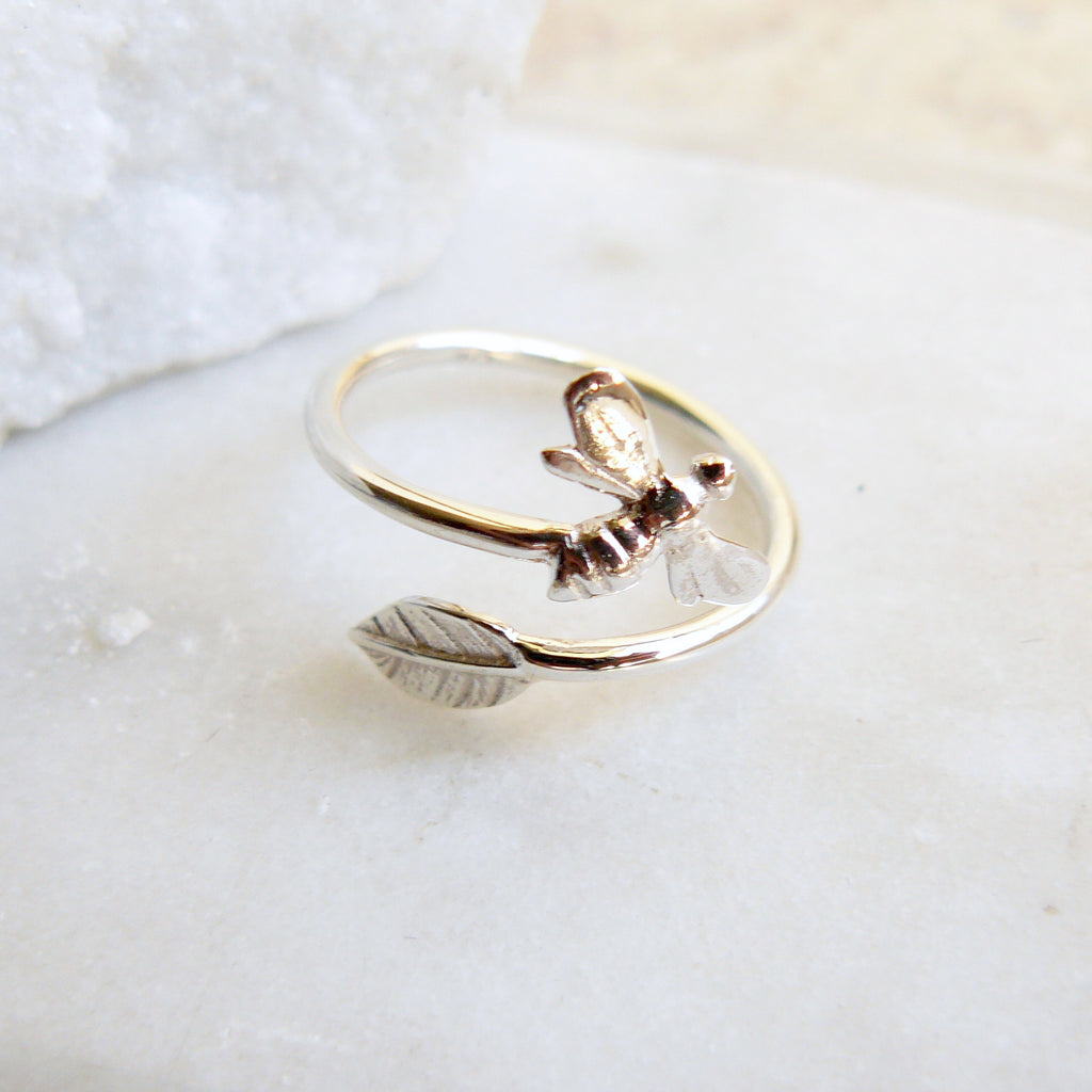 Bee Ring with leaf