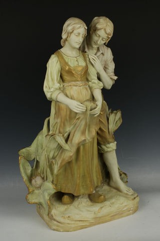 "20"" Ernst Wahliss Turn Teplitz figurine ""Dutch Man and Woman"""