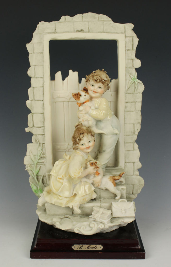 "Capodimonte Bruno Merli Figurine ""Children with Cats"" - LUX-FAIR.com - 1"