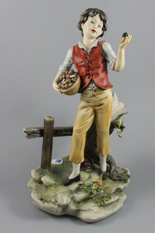 Capodimonte Luciano Cazzola Figurine Boy Picking Mushrooms - LUX-FAIR.com - 1