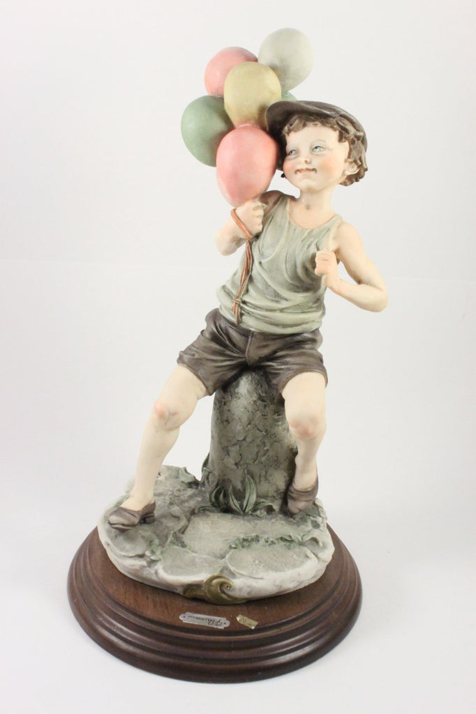 Giuseppe Armani Figurine Boy with Balloons - LUX-FAIR.com - 1