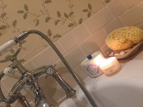 bath-candles-bubbles-holiday